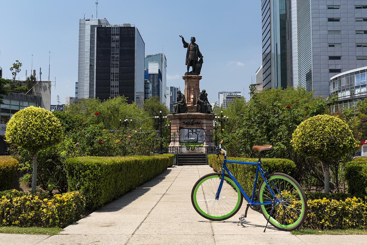 Monumento a Colón by bike, Mexico City